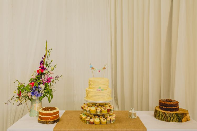 Wedding Cake & Cup Cakes   Navyblur Photography   Cinematic Tide Films