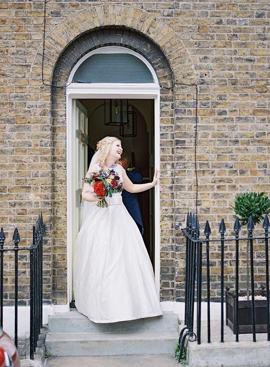 Bride in Sassi Holford Gown   Classic Wedding at Trafalgar Tavern, Greenwich, London   Ann-Kathrin Koch Photography