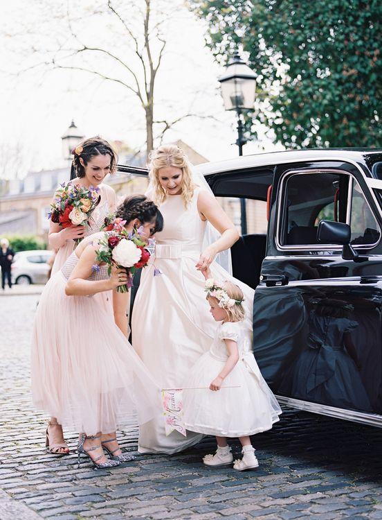 Bride in Sassi Holford Gown   Bridal Party   Classic Wedding at Trafalgar Tavern, Greenwich, London   Ann-Kathrin Koch Photography