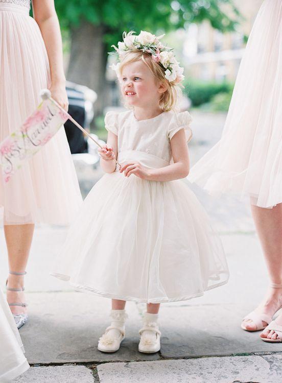 Flower Girl   Classic Wedding at Trafalgar Tavern, Greenwich, London   Ann-Kathrin Koch Photography