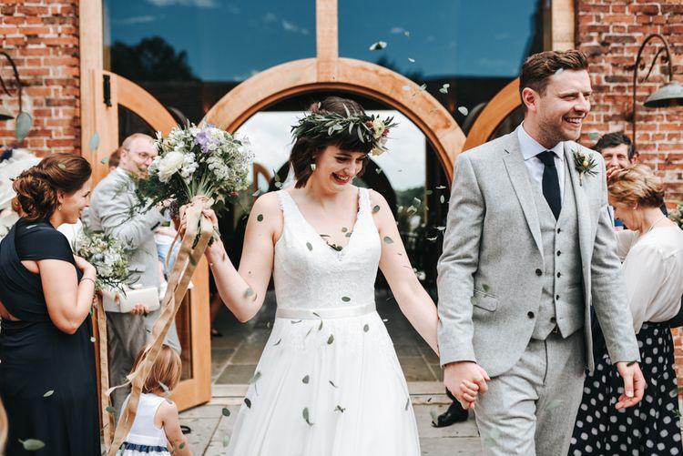 Hazel Gap Barn Wedding Mrs Umbels Flowers High Street Wedding Party Pear & Bear Photography