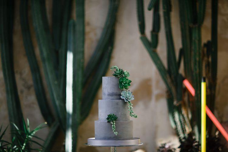 Concrete Wedding Cake | Monochrome Wedding at Syon Park London | Chris Barber Photography | Second Shooter Beatrici Photography