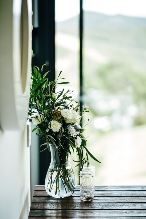 White & Greenery Flower Arrangement | Mann House Venue | New Zealand Wedding | Nigel John Photography