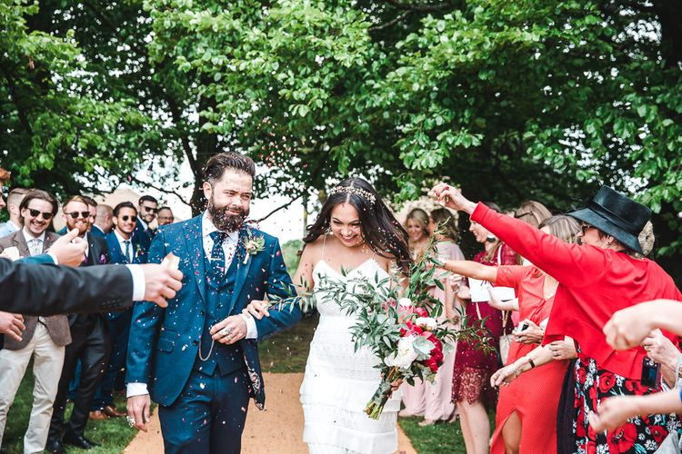 Confetti Moment | PapaKåta Sperry Tent at Chafford Park in Kent Countryside | Eve Dunlop Photography | Roost Film Co.