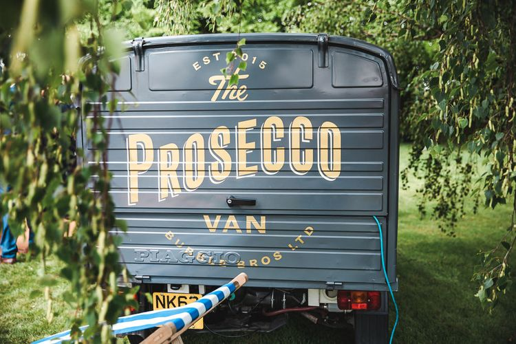 Bubble Bros. Prosecco Van | PapaKåta Sperry Tent at Chafford Park in Kent Countryside | Eve Dunlop Photography | Roost Film Co.