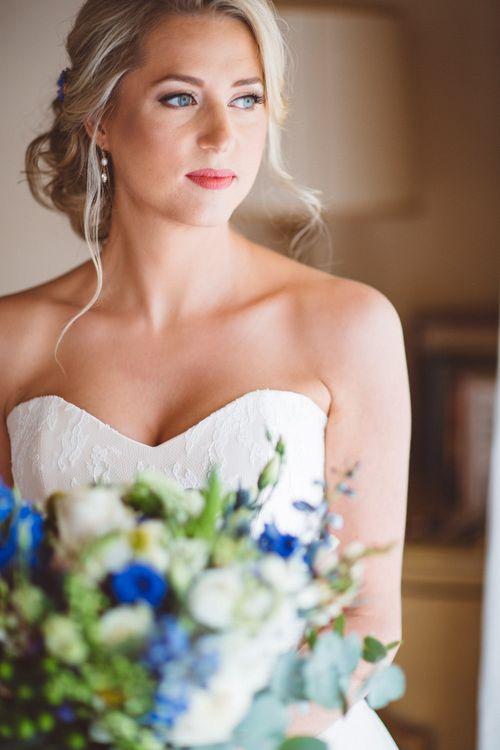 Bride in Lyn Ashworth Wedding Dress | Outdoor Wedding at Borgo Bastia Creti in Italy | Paolo Ceritano Photography