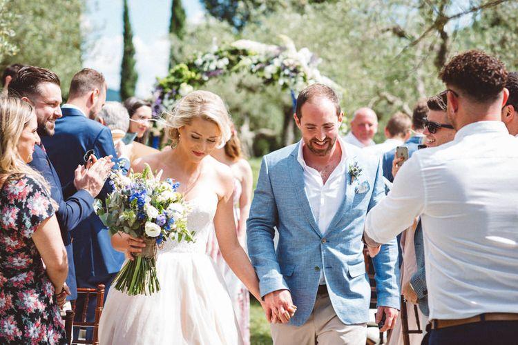 Confetti Exit | Wedding Ceremony | Outdoor Wedding at Borgo Bastia Creti in Italy | Paolo Ceritano Photography