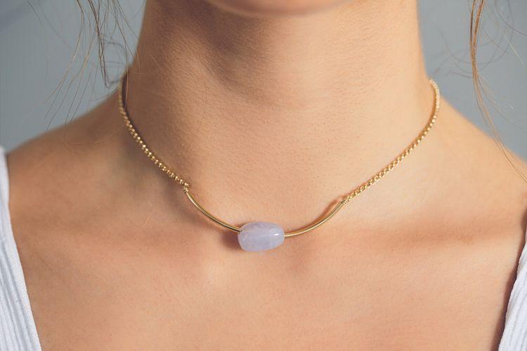 Perissa Necklace Close
