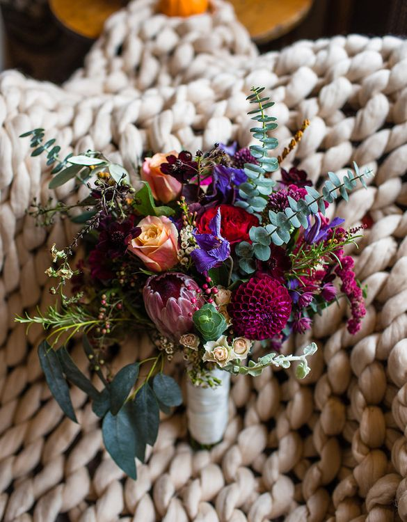 Autumnal Bridal Bouquet | Autumn Rustic Wedding at Curradine Barns | Jo Hastings Photography