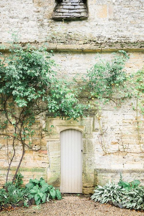 The Slaughter Manor House, Gloucestershire | Jacob & Pauline Photography | Pretty in White Films