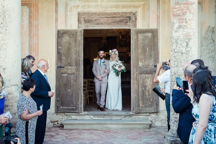 Church Wedding Ceremony | Boho Bride in Lace Rime Arodaky Olsen Gown & Flower Crown | Tuscany Wedding | Due su Due Photography