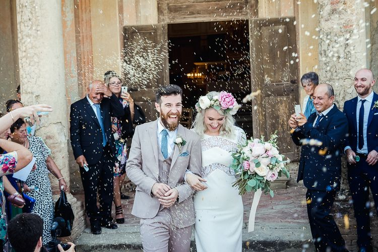 Confetti Moment | Boho Bride in Lace Rime Arodaky Olsen Gown & Flower Crown | Tuscany Wedding | Due su Due Photography