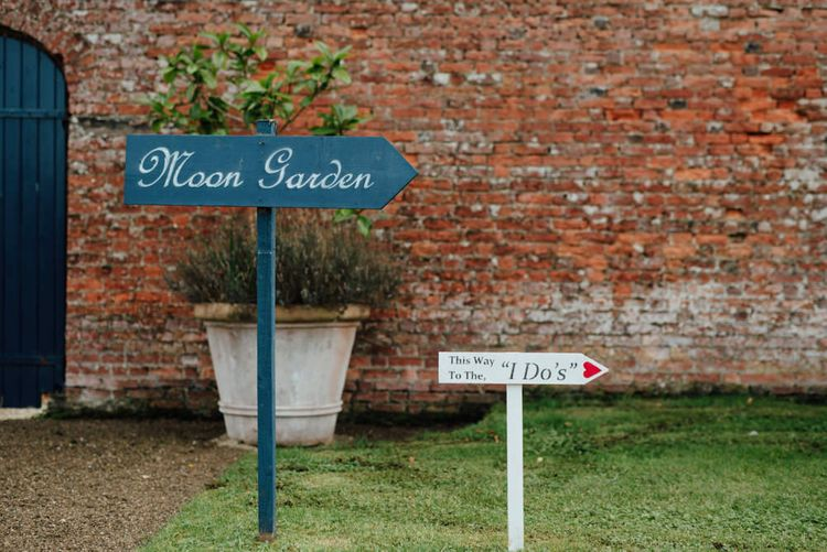 Wedding Signs | The Lou's Photography