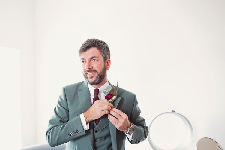 Groom in Mark Powell Suit | Cotton Candy Photography