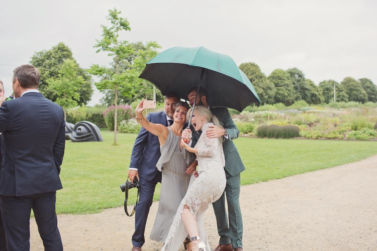 Wedding Guests | Roth Bar and Grill Wedding Somerset | Cotton Candy Photography