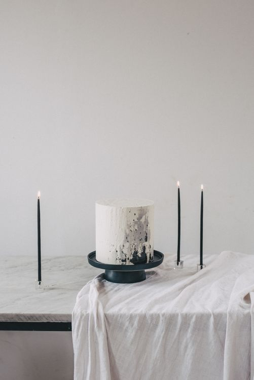 Buttercream Wedding Cake With Speckled Icing // Minimal Elegant Bridal Inspiration Shoot With Ikebana Inspired Floral Arrangements By Kitten Grayson // Planned & Styled By Anemone Style // Images Genevieve Wedding Photography