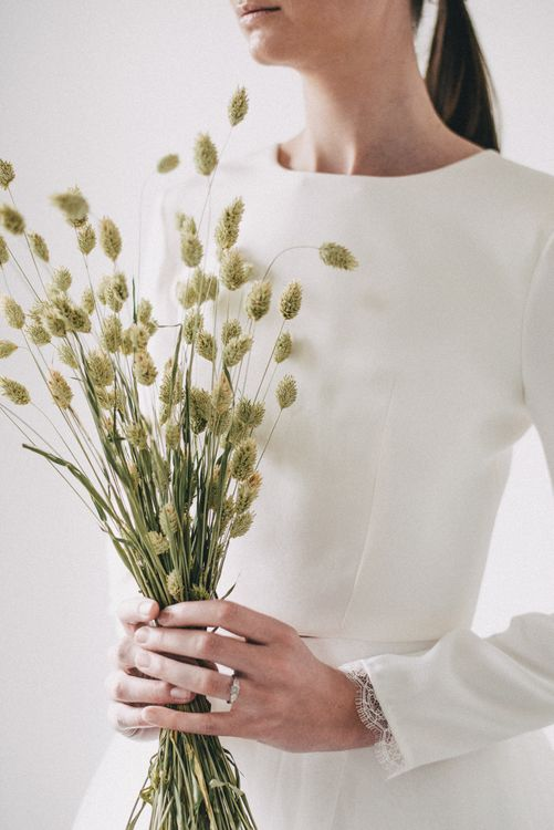 Dried Grass Wedding Bouquet // Minimal Elegant Bridal Inspiration Shoot With Ikebana Inspired Floral Arrangements By Kitten Grayson // Planned & Styled By Anemone Style // Images Genevieve Wedding Photography