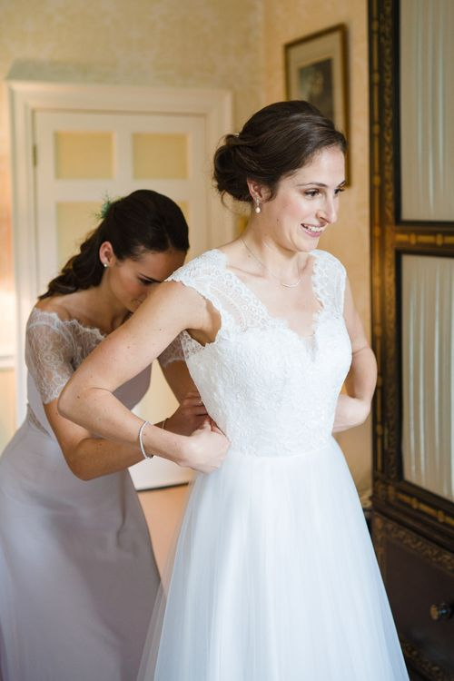 Wedding Morning Bridal Preparations | Beautiful Classic Wedding at Cornwell Manor | Lucy Davenport Photography