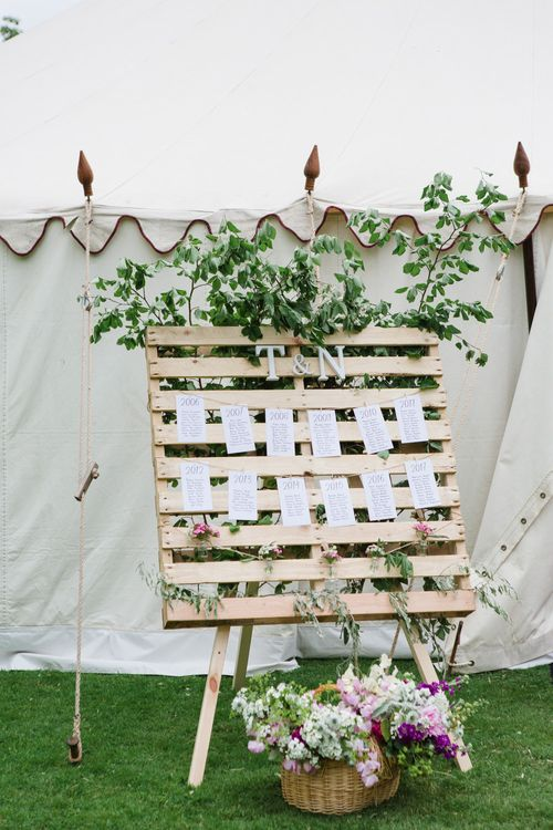 Wood Palette Table Plan | Beautiful Classic Wedding at Cornwell Manor | Lucy Davenport Photography