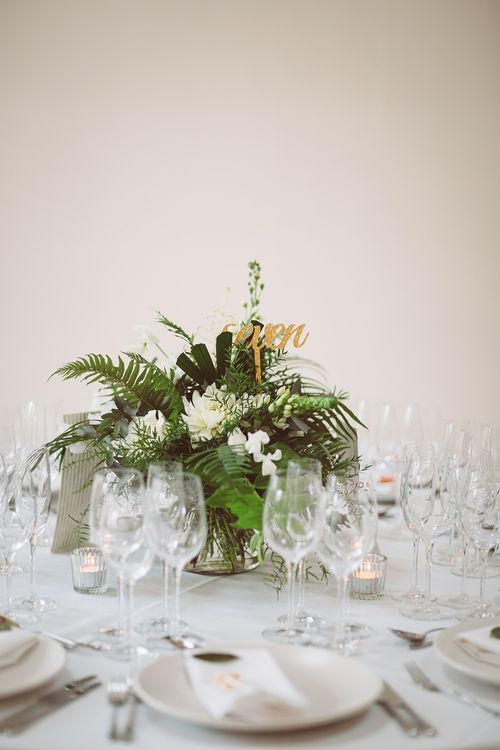 White & Green Wedding Centrepiece | Lemonade Pictures