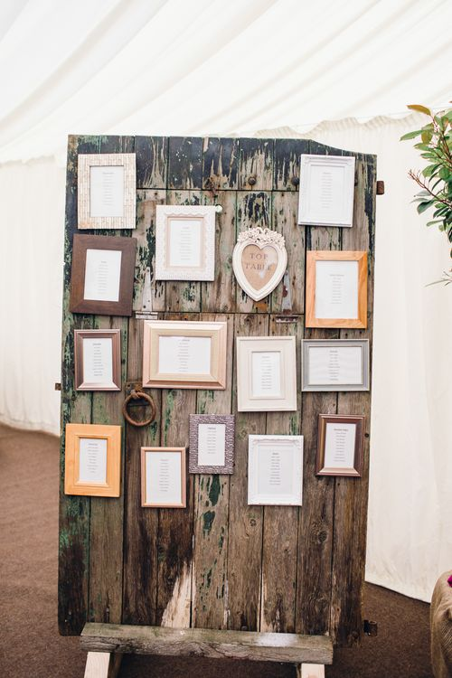 DIY Table Plan With Wooden Palette And Photo Frames
