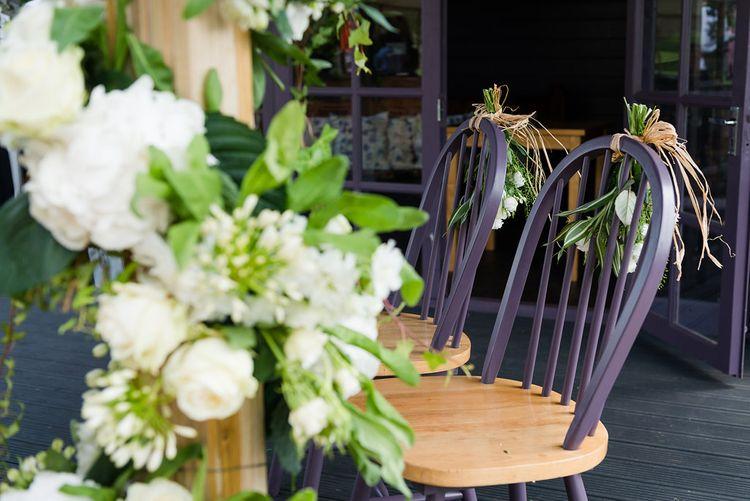 White & Green Wedding Flowers   Turner & Moss Photography