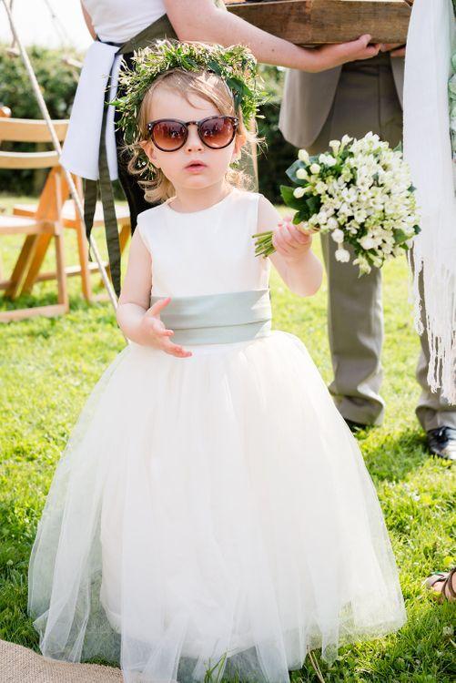 Flower Girl   Turner & Moss Photography