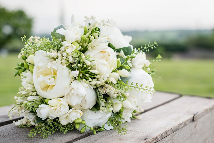 White & Greenery Bouquet   Turner & Moss Photography
