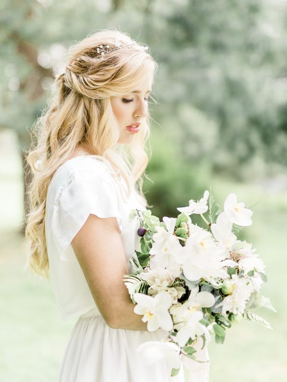 Bride in Ailsa Munro Separates   Rivercatcher Intimate Wedding Inspiration   Jade Leung Wedding Design   Heledd Roberts Photography