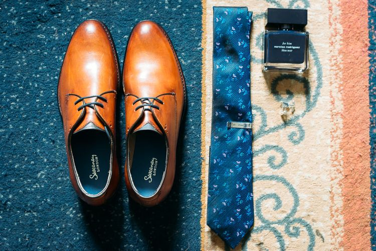 Grooms Details. Navy and Tan, the perfect combination.