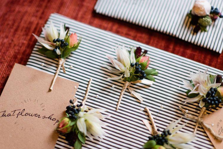 Buttonholes | 60s Inspired London Pub Wedding | The Peasant | Babb Photo