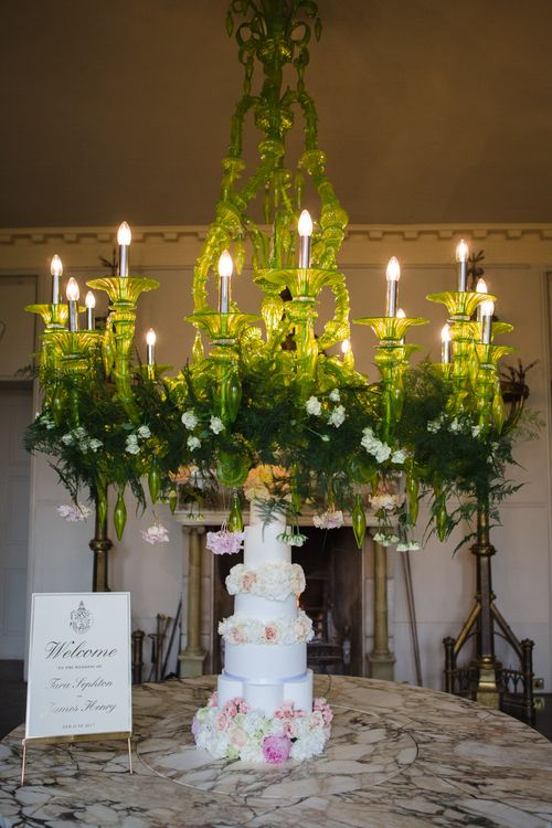Five Tier Traditional Wedding Cake | Elegant Wedding at Aynhoe Park, Oxfordshire | Lucy Davenport Photography