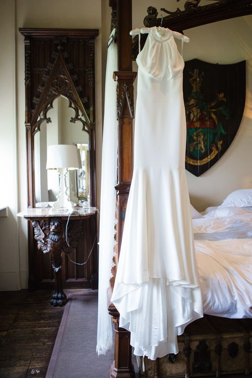 Suzanne Neville Belle Gown | Elegant Wedding at Aynhoe Park, Oxfordshire | Lucy Davenport Photography