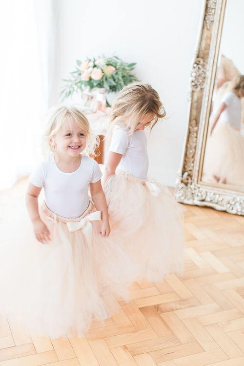 Flower Girls in Peach Tulle Skirts | Sung Blue Photography | ROOST Film Co.