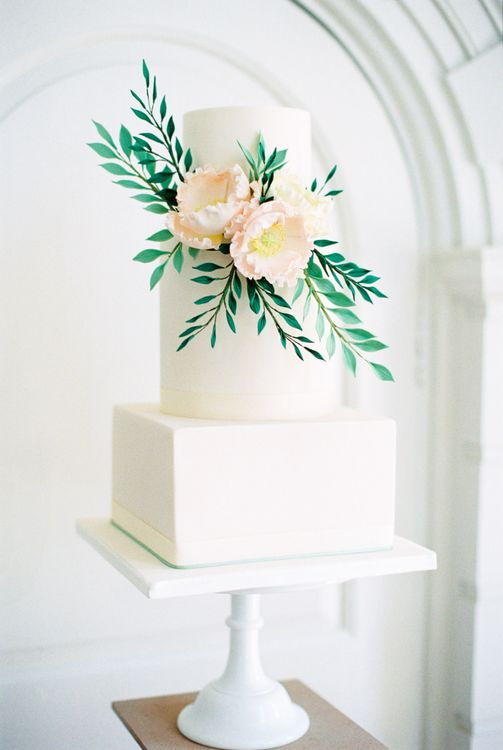 Elegant Wedding Cake by Curtis & Co Cakes | Elegant Wedding Inspiration at Cornwell Manor with Floral Design by Bramble and Wild | Bowtie & Belle Photography | Carmencita Film Lab | Baxter and Ted Films