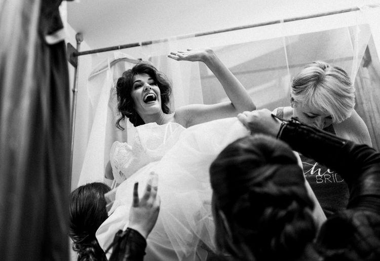Getting Ready | Owen House Wedding Barn | Joyce Young London | Damian Brandon