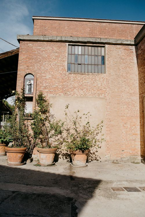 Italian Industrial Wedding Venue | That Day Wedding Planner | Carla Penoncelli Photography