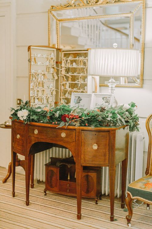 Vintage Dresser & Table Plan Wedding Decor
