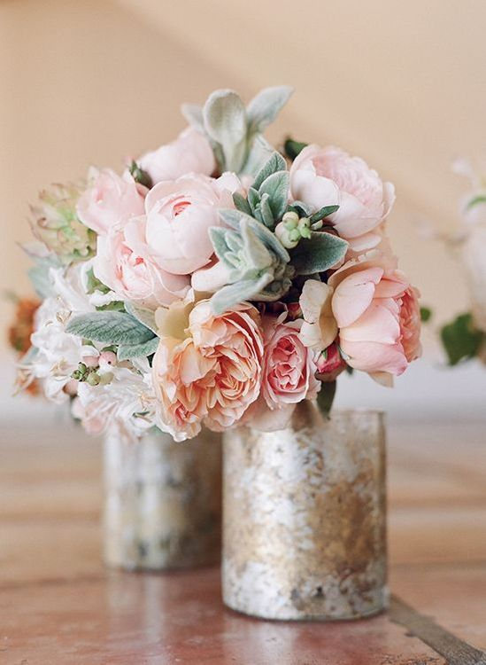 Pink Floral & Metallic Table Decor For Wedding