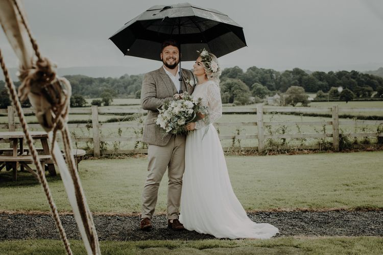 Bride and groom make the most of the English summer at Hobbit Hill