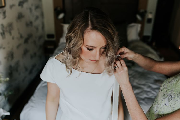 Wedding Morning Bridal Preparations | Agata Wojtkiewicz Atelier Bridal Gown | Stylish Intimate London Elopement at Islington Town Hall & The Elk in the Woods | Joasis Photography
