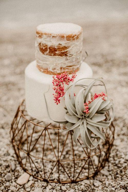 Small wedding cake for beach elopement