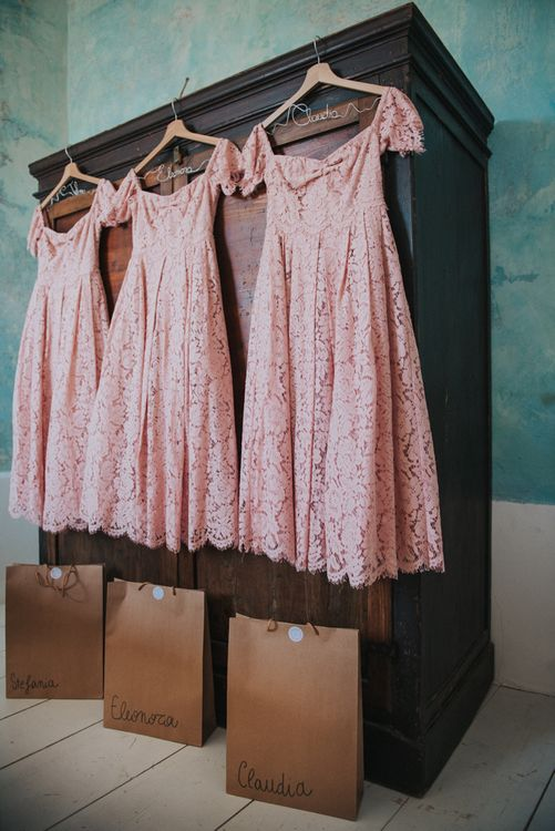 Lace Pink Bridesmaid Dresses | Stylish Pink Wedding at Terzo di Danciano, Tuscany, Italy | Lucrezia Senserini Photography | Film by Righi Photography