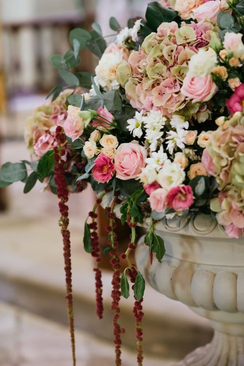 Blush Pink Rose & Hydrangea Wedding Flowers | Stylish Pink Wedding at Terzo di Danciano, Tuscany, Italy | Lucrezia Senserini Photography | Film by Righi Photography