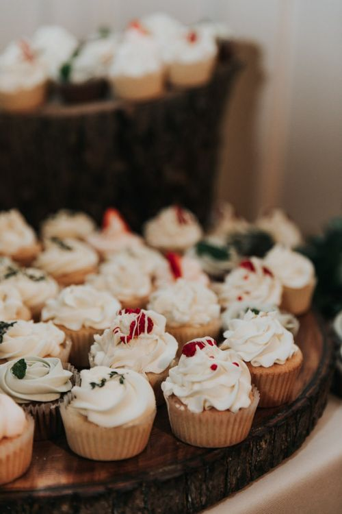 Individual cupcakes for wedding cake