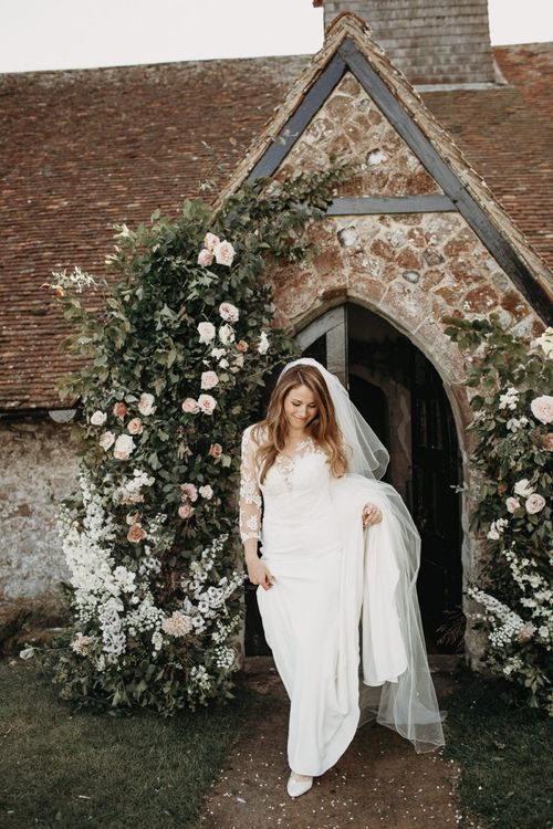 Bride in Lace La Sposa Wedding Dress with Long Sleeves