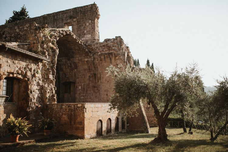 La Badia Di Orvieto Italy   Intimate Italian Castle Wedding with Prosecco Tower   James Frost Photography