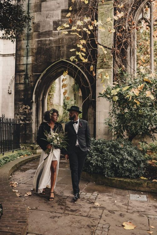 Alternative London wedding photography at St Dunstan in the East