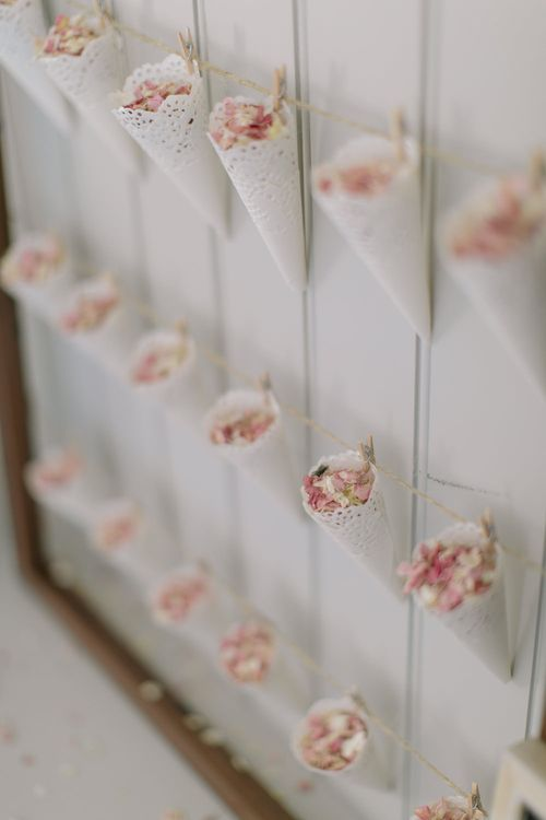 DIY wedding confetti cones and pink and white confetti | Confetti Cone Station Tutorial