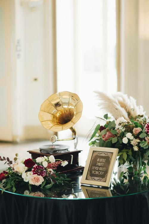 Vintage Grammar Phone Wedding Decor | Glamorous, Roaring Twenties, Great Gatsby Inspired Wedding at Villa Borromeo  in Italy | Matrimoni all'Italiana Photography